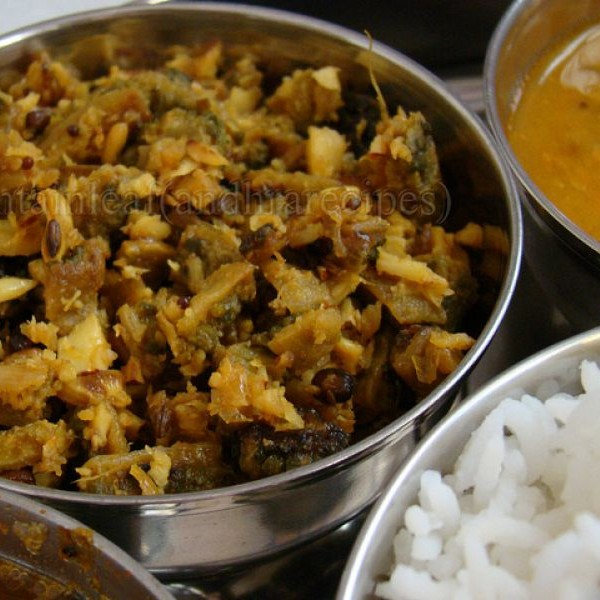 How to make Kakarakaya Ulli Karam Kura (Bitter Gourd Onion Masala Curry)